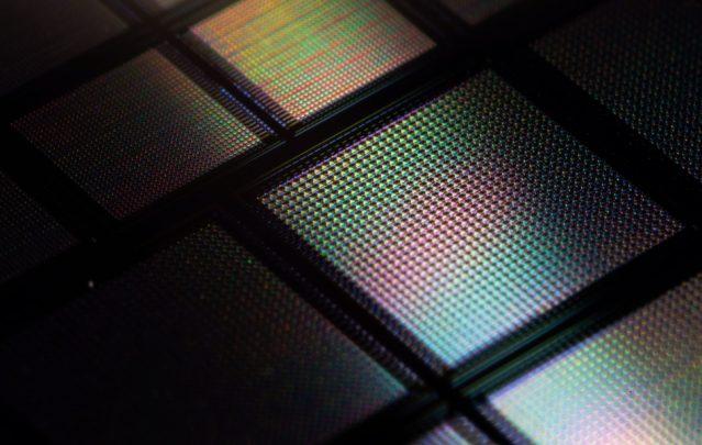 Al MIT hanno messo decine di migliaia di sinapsi artificiali su un singolo chip
