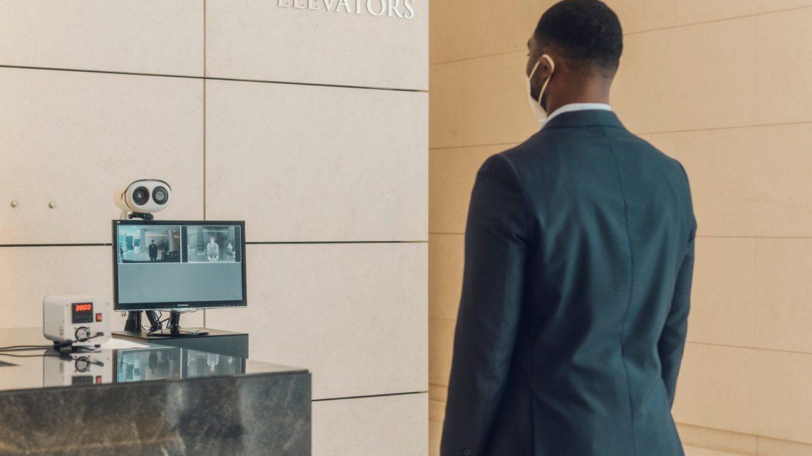 Salesforce e Siemens per l'ufficio touch-free