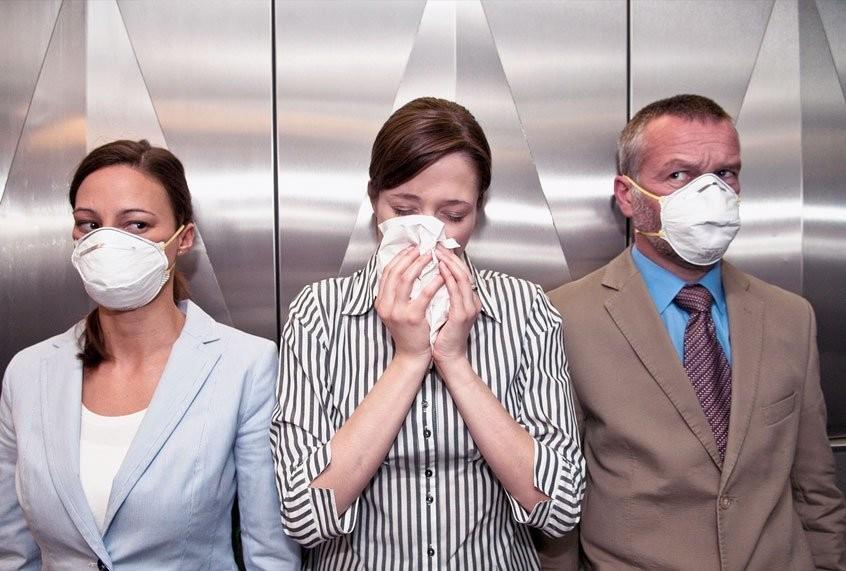 Possibile diffusione nell'aria al chiuso del virus, dice l'OMS